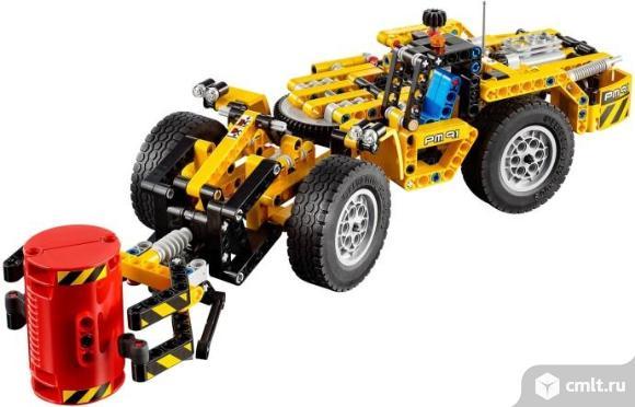 LEGO Technic 42049 Карьерный погрузчик Конструктор. Фото 1.