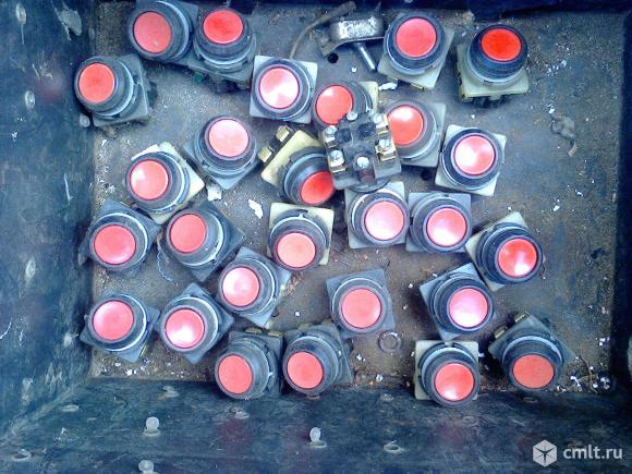 Кнопки КЕ 011. Фото 1.