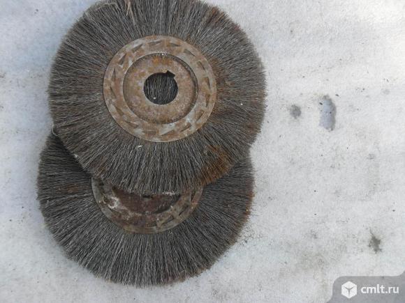 Дисковая щетка по металлу.. Фото 1.