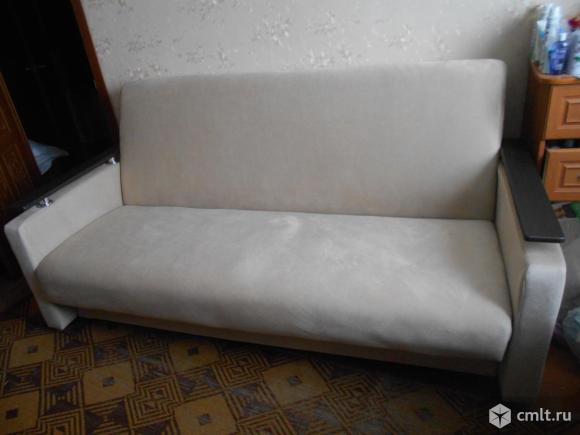 Продаётся диван. Фото 3.