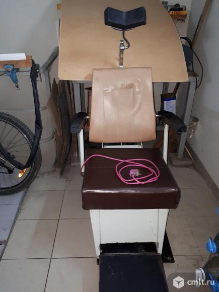 Продам стоматологическое кресло бу советского производства с электро приводом. Фото 2.
