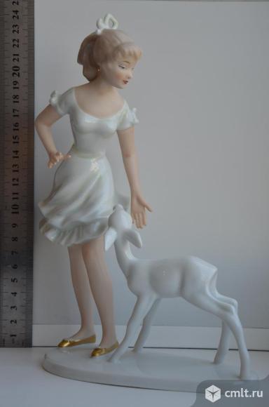 Статуэтка Девушка с ланью. Wallendorf. Германия