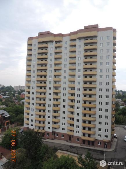 Продаётся 2-х комнатная квартира в новом монолитном 17-ти этажном доме по ул. Республиканская 74а. Фото 1.