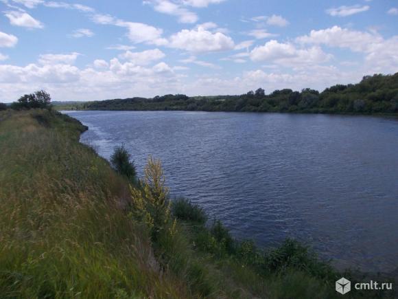 На берегу р. Дон продается дача.