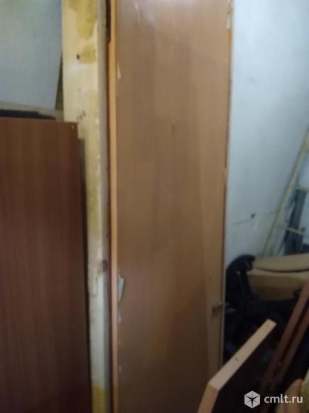 Дверной б/у блок с коробкой 66*207см.. Фото 1.