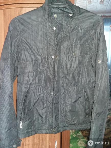 Демисезонная курточка. Фото 1.