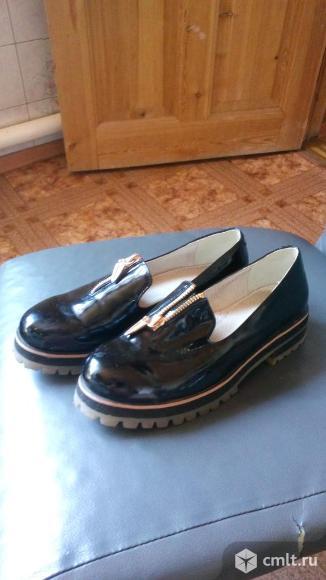 Туфли черные лакированные. Фото 1.