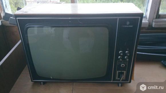 Телевизор кинескопный ч/б Рекорд
