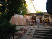 Продам просторную ЗГТ (закрытый гостиничный тип) площадью 25 кв. м.