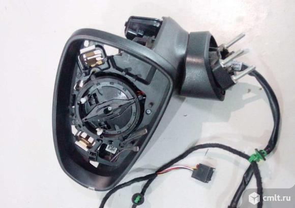 Каркас зеркала левого зеркало 6 конт.  AUDI A1  11-  б/у 8X1857409R9B9 3*. Фото 1.