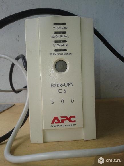 Источник бесперебойного питания APC back UPS CS500. Фото 1.