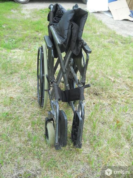 Инвалидная коляска. Фото 7.