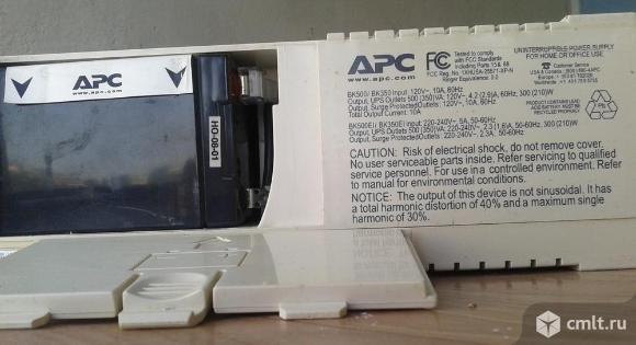 Источник бесперебойного питания APC back UPS CS500. Фото 3.
