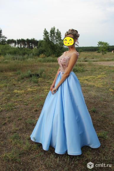 Красивое вечернее платье. Фото 1.
