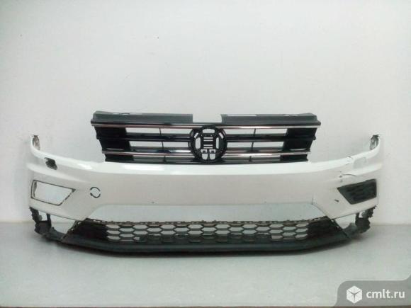 Бампер передний под омыв + спойлер + решетка радиатора VW TIGUAN 16- б/у 5NR807217GRU 5NR8059039B9 5. Фото 1.
