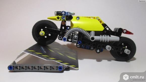 """Лего-техник """"Мотоцикл для трюков"""""""