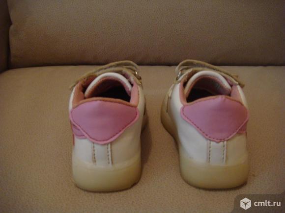 Кроссовки колобок ( светящиеся ). Фото 3.