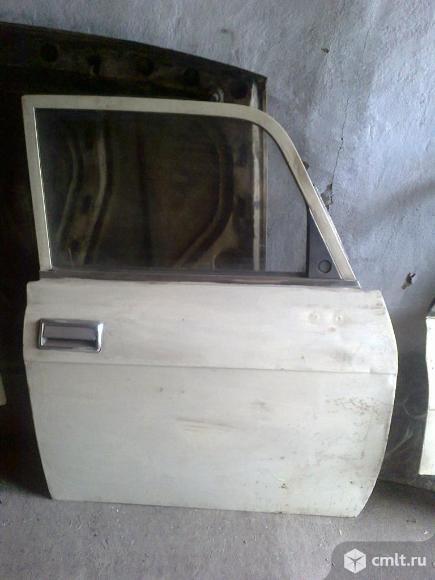 Продаю переднюю правую дверь для автомобиля М-2140. Фото 1.