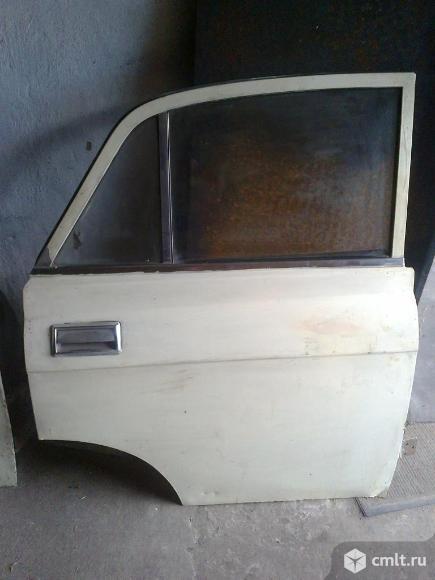 Продается задняя правая дверь для автомобиля М-2140. Фото 1.