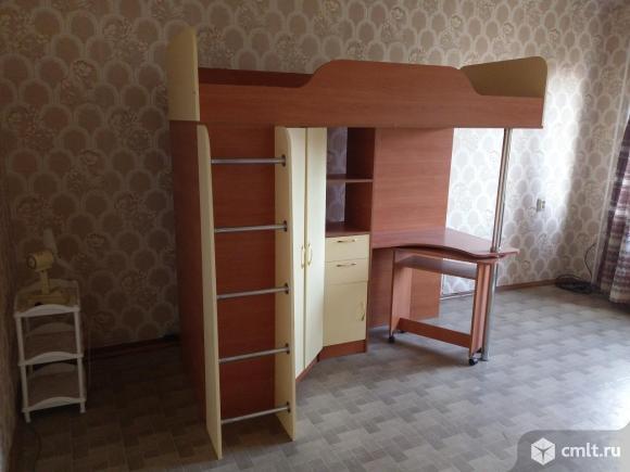 Детская кровать чердак, стол, шкаф полка под книги