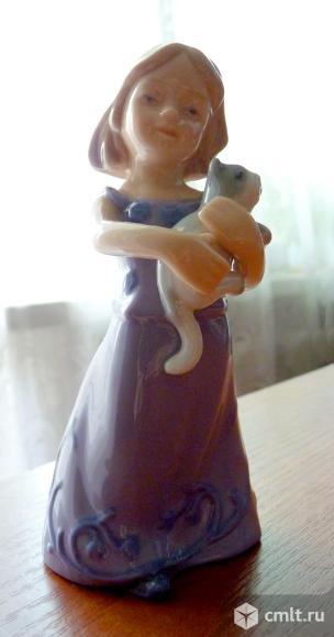 """Статуэтка """"Девочка с котенком"""", Pavone. Фото 3."""