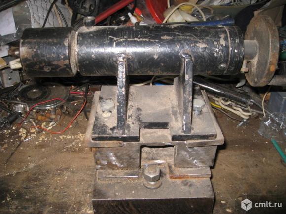 Задняя бабка для токарного станка. Фото 1.