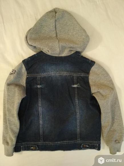 Куртка Ligas р.122 и джинсовые бриджы. Фото 3.