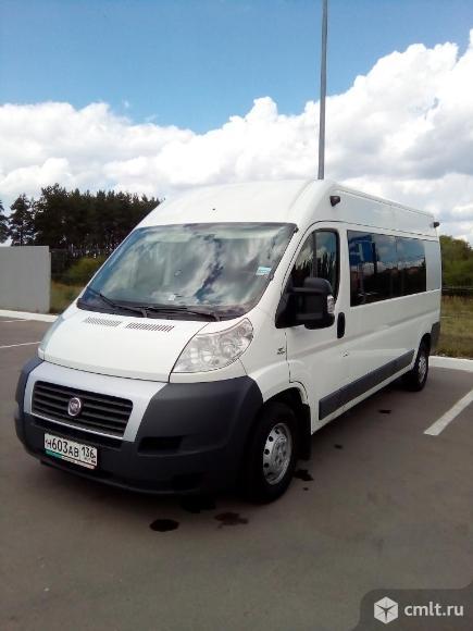 Микроавтобус на 8 посадочных мест повышенной комфортности. Фото 20.