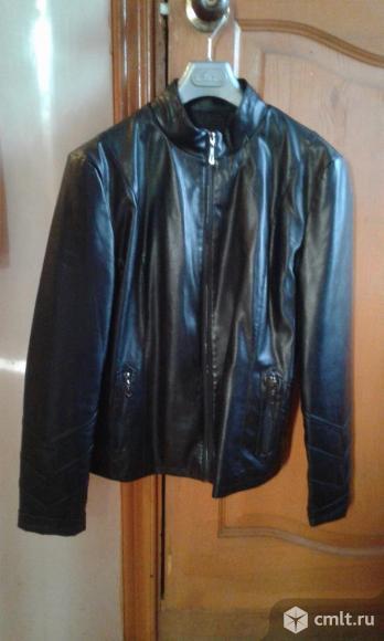 Куртка женская из кожезаменителя р. 50. Фото 1.