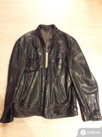 Продаю мужскую кожаную куртку