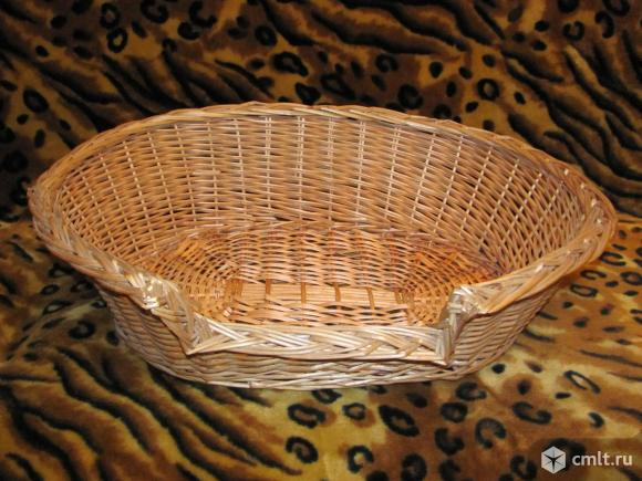 Лежанка для собачки или кошечки плетеная.. Фото 1.