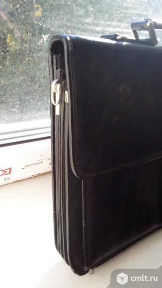 Портфель черный кожаный