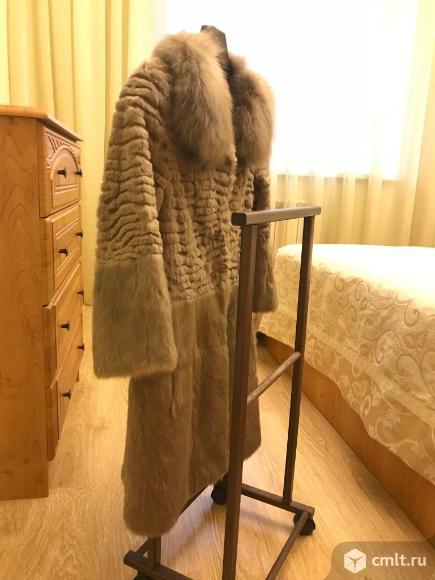 Пальто меховое. Фото 6.