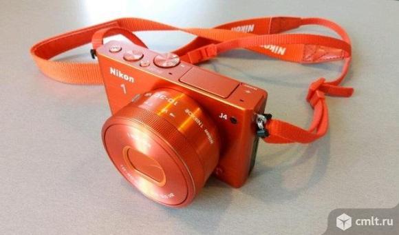 Как новый 2 акб со сменной оптикой Nikon 1 J4 Kit 10-30mm оранжевый. Фото 1.