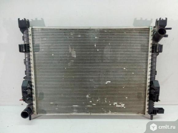 Радиатор охлаждения RENAULT DUSTER 15-/ KAPTUR 16- б/у 214108042R  4*. Фото 1.