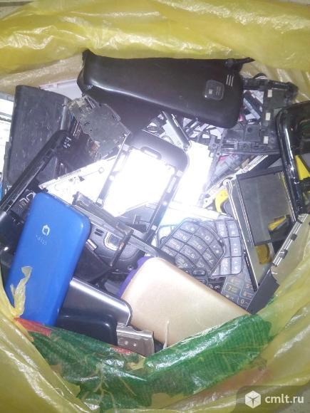 Б/у копуса и части от кнопочных телефонов