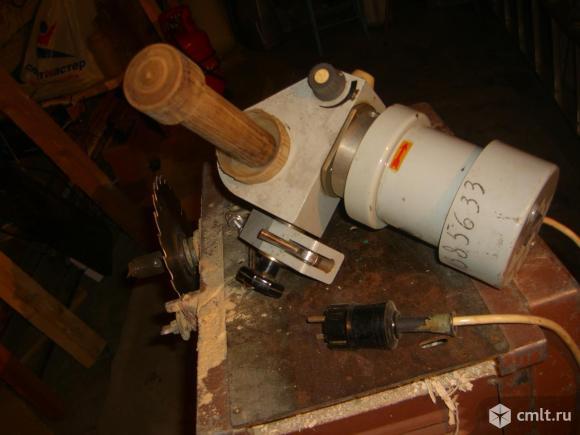 Эл.двигатель с редуктором. Фото 1.