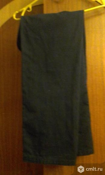 продам школьные брюки для мальчика 10-12 лет в отличном состоянии.. Фото 1.