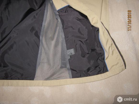 Бежевая осенняя куртка из плащевки Just Jeans б/у.