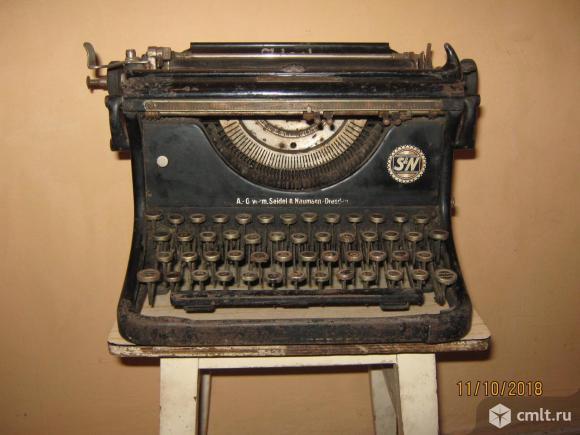 Редкая немецкая печатная машинка Erika .. Фото 1.