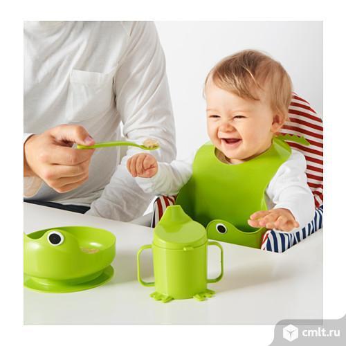 Набор детской посуды, 4 предм, зеленыйВ этом забавном «лягушачьем» комплекте есть все необходимое для того, чтобы ваш малыш учился есть и пить самостоятельно.