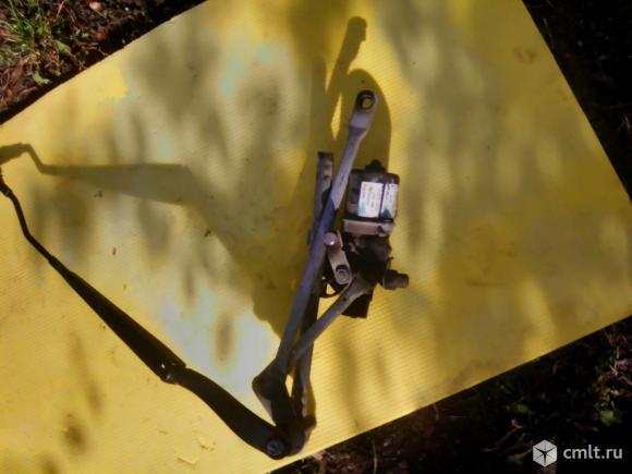 Моторчик дворников Шевроле Авео Т300. Фото 1.