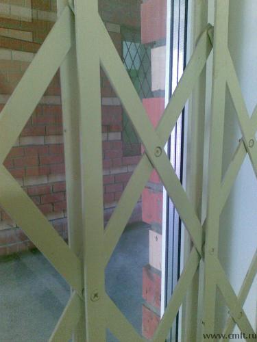 Раздвижные решетчатые двери GRAN-эконом из спаренной стальной полосы толщиной 4мм