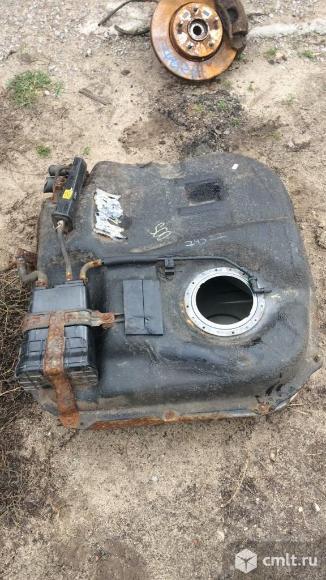 для Kia Ceed двигатель G4FC 1,6 122 Л,С бак топливный бу номер 311501H220, 311502H220 звоните есть много других автозапчастей отправка в регионы