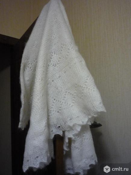 Белая новая пуховая шаль. Фото 1.