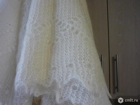 Белая новая пуховая шаль. Фото 2.