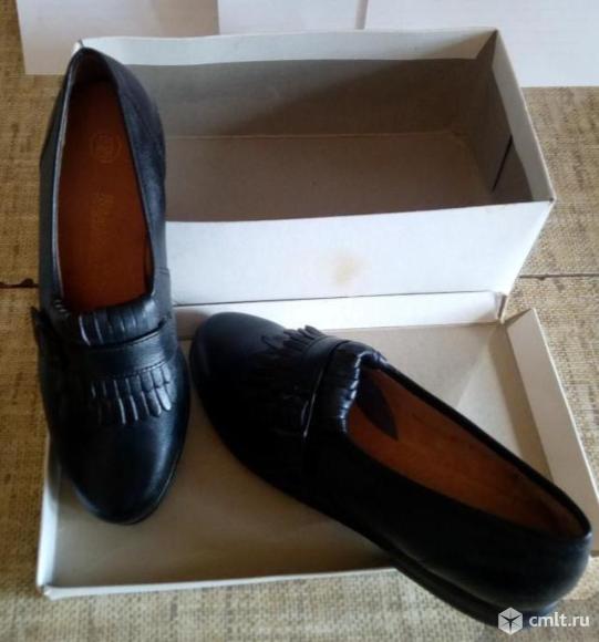 Женские кожаные черные туфли. Фото 1.