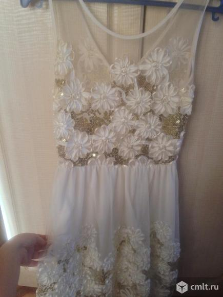 Платье в хорошем состоянии, возможен торг!!! Звоните
