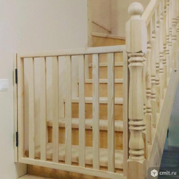 Барьеры для детей на лестницу и дверной проем.. Фото 1.