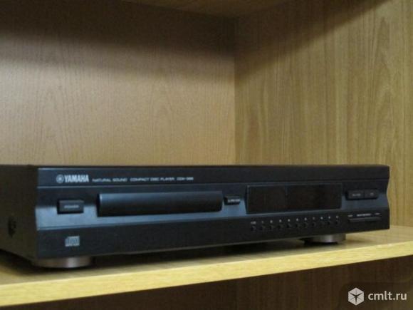 CD проигрыватель Yamaha CDX-396. Фото 1.